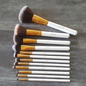 White Jessup Makeup Brush 12 Bundle
